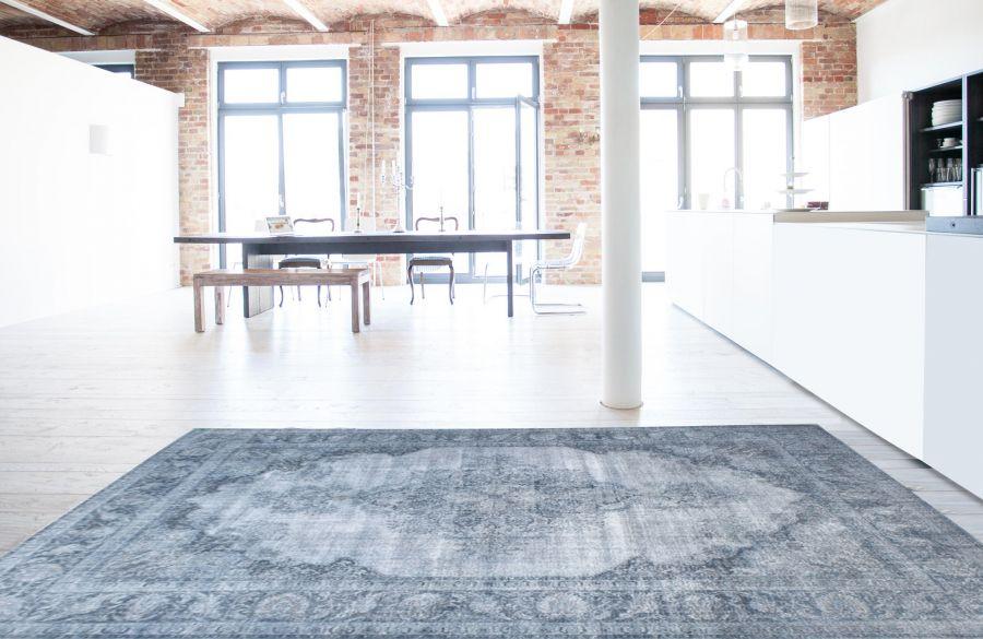Hellblauer persischer Vinatge-Teppich