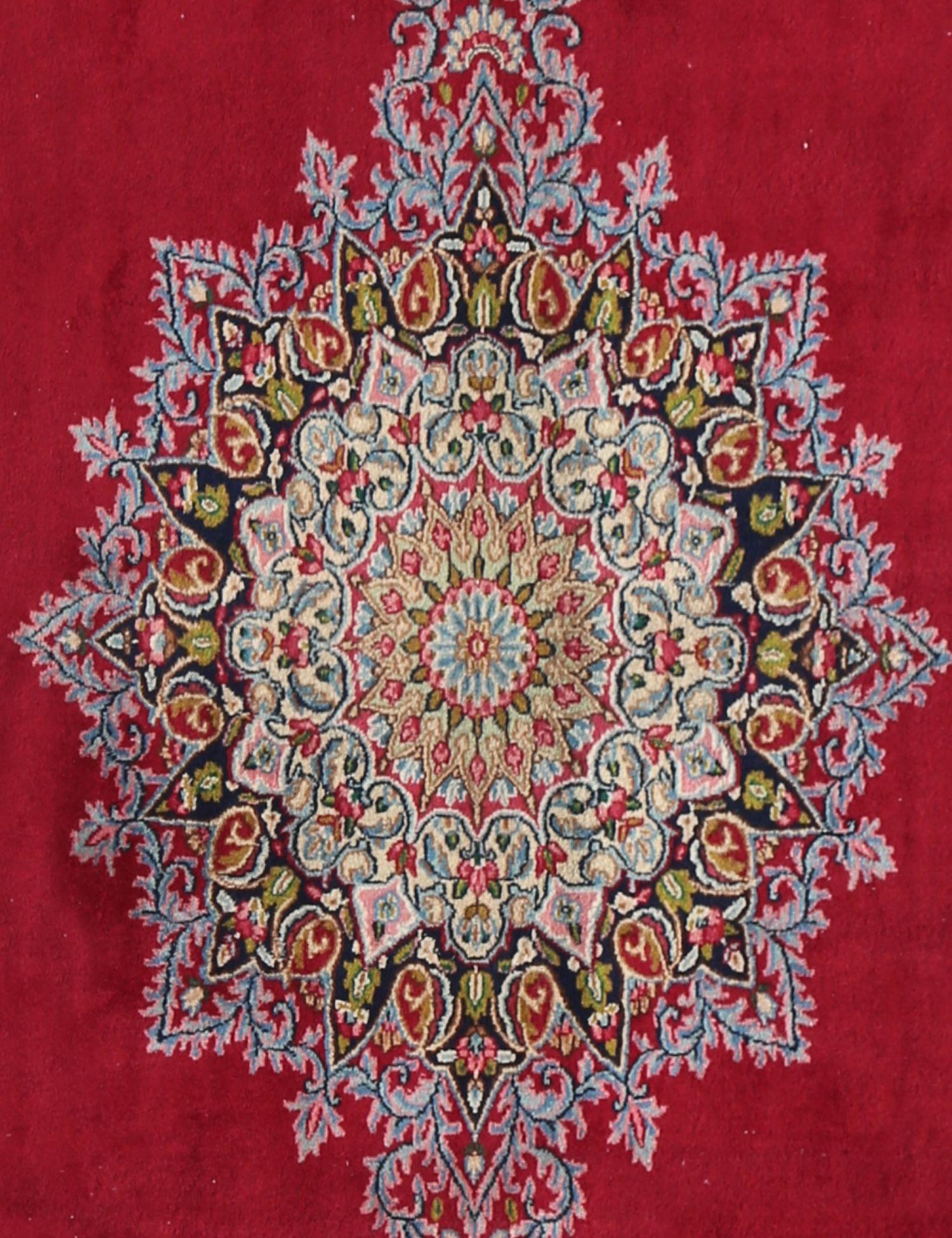 Retro  rosso <br/>425 x 301 cm