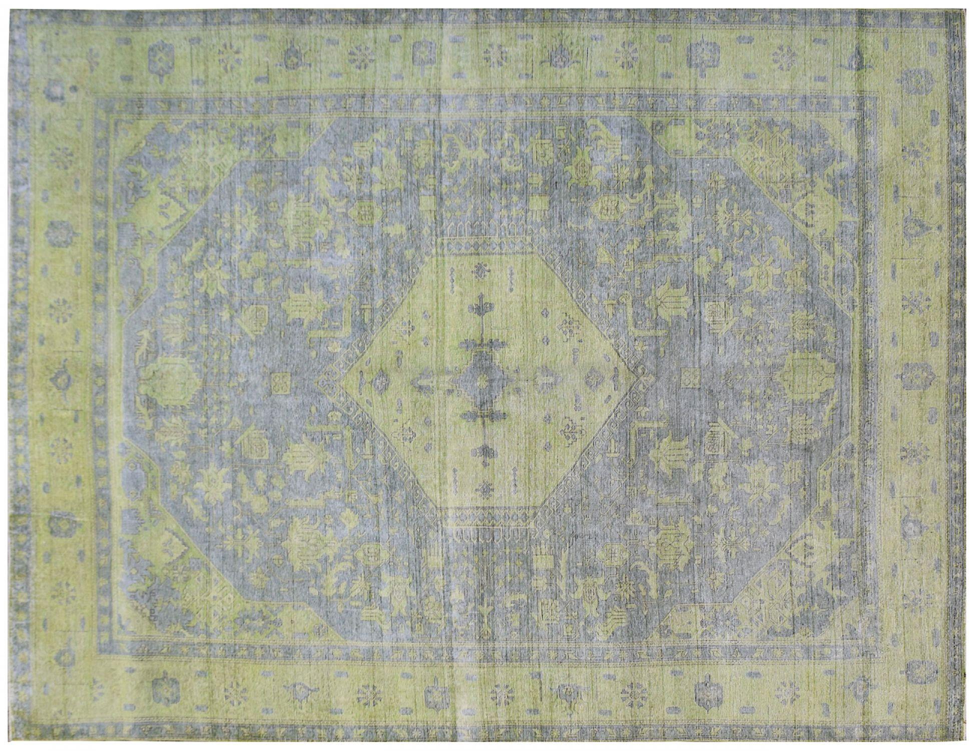 Vintage Teppich  grün <br/>374 x 286 cm