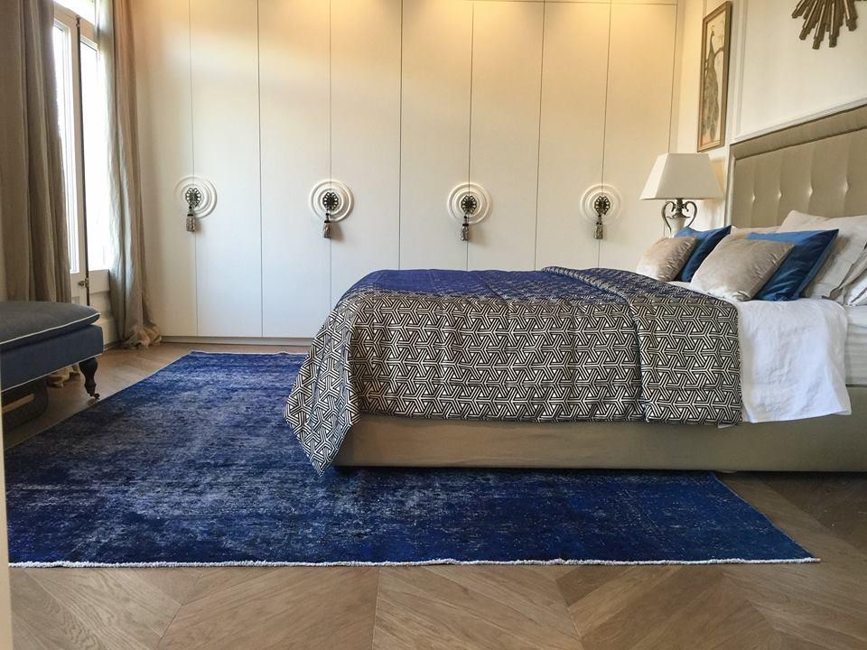 tapis vintage persan bleu fait à la main